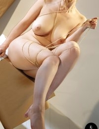 Lotti Rose wrapped and ripped  | Spinchix