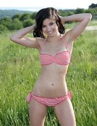 Stretch - FREE PHOTO PREVIEW - WATCH4BEAUTY erotic art magazine