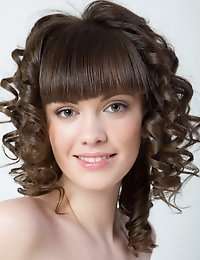 Cute curls on this super model.  A must see.