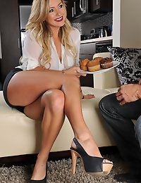 Like every good new neighbors should, Cameron Dee takes a plateful of muffins and walks over next door to introduce herself and maybe chat a bit. After all, a good relationship with the neighbors is very important. What she never thought that this relationship gets a bit more intimate than a friendly chat