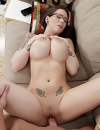 top sexy girls on the web over nine thousand to choose from and thirty eight porn site for one price