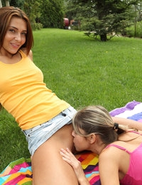 FRISBEE FOREPLAY with Alexis Brill, Gina Gerson - ALS Scan