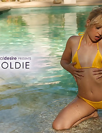 Goldie soaks herself in the pool - Digital Desire