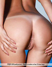 Get Naked photo #16