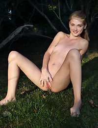 RIPPED PANTYHOSE with Hannah Hays - ALS Scan photo #12