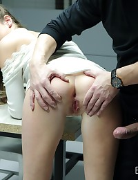 Smart Security Guard Fucked a Hot Beauty photo #5