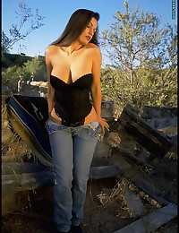 Blue Jeans to Nude photo #7