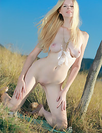 Nude slender blonde photo #10
