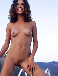 Naked beauty on the sea photo #11