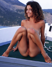 Naked beauty on the sea photo #12