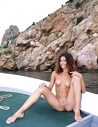 Naked beauty on the sea photo #19