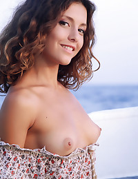 Naked beauty on the sea photo #2