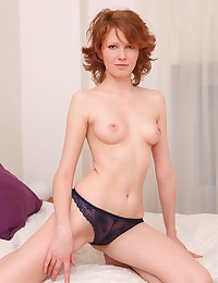 Nude slim babe in bed photo #4