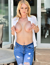 Her Favorite Jeans photo #5