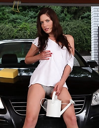 Jessica Rox needs to wash her car and her pussy  photo #1