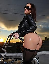 Jayden Jaymes Roof top romp Hot blond anal sex huge ass, Reality Porn Sites - Reality Kings photo #2