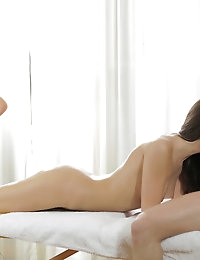 22758 - Nubile Films - Smooth Moves photo #4