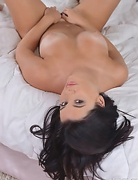 Morning climax with Charlyse B photo #15