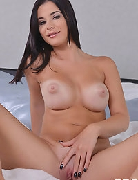 Morning climax with Charlyse B photo #7